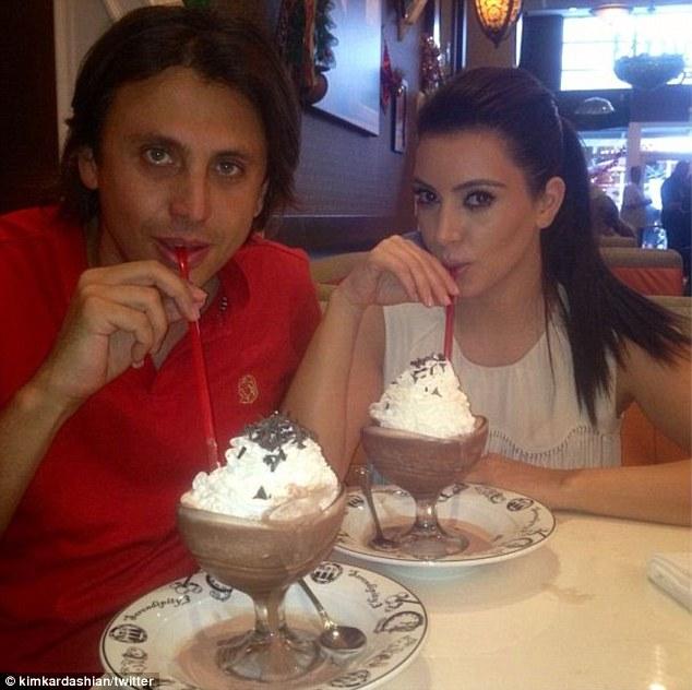 Kim Kardashian Y El Helado 11